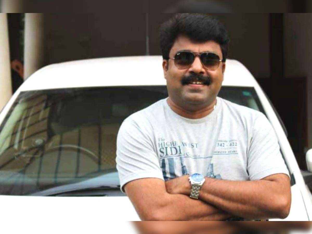 Actor Prabeesh collapses and dies on set
