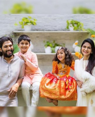 Frame Worthy pic of Allu Arjun family: Happy faces