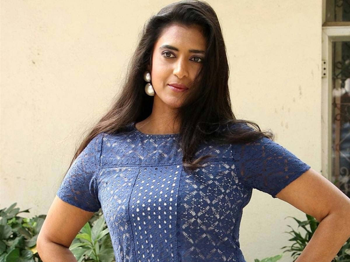 Kasthuri Shankar fires on her fan who asks about her Spouse