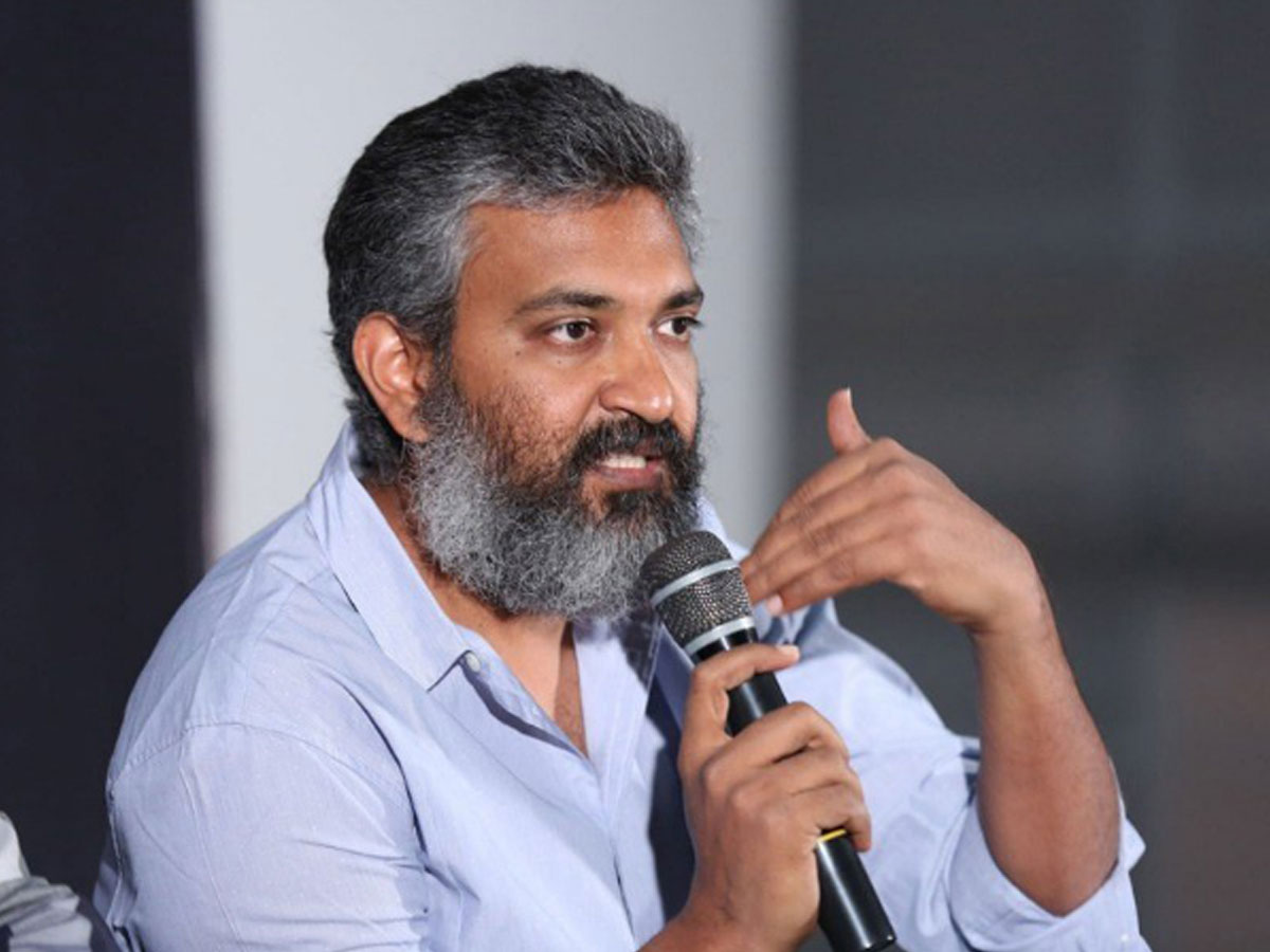Rajamouli approves flow of the fake blood: RRR