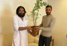 Kiccha Sudeep meets Pawan Kalyan