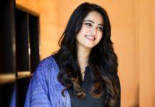 Anushka Shetty not showing enthusiasm to sign movies?