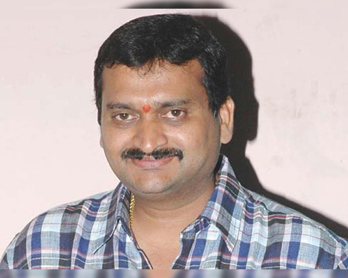 Bandla Ganesh requests not to use his old political comments