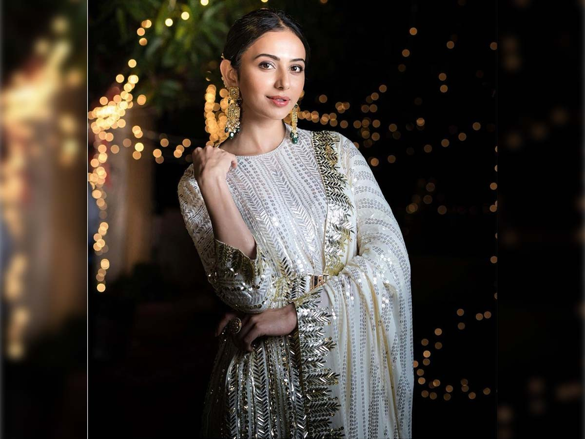 Rakul puts an end to all speculations in style