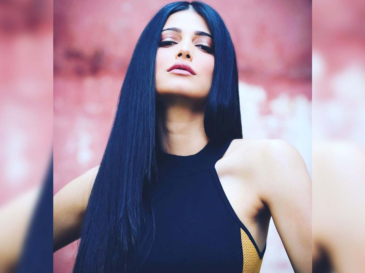 There is no remuneration change for Shruti for Vakeel Saab