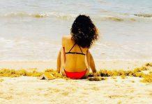 Kangana Ranaut looks breathtakingly beautifulin bikini