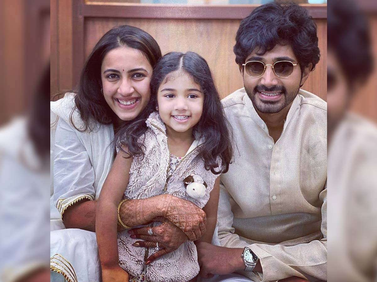 Post wedding Niharika and Chaitanya with cutest Allu Arha