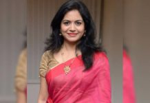 Singer Sunitha gets engaged to Chairman of a media house
