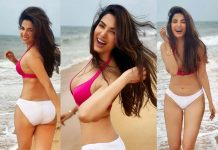 Bikini girl infectious smile really haunting