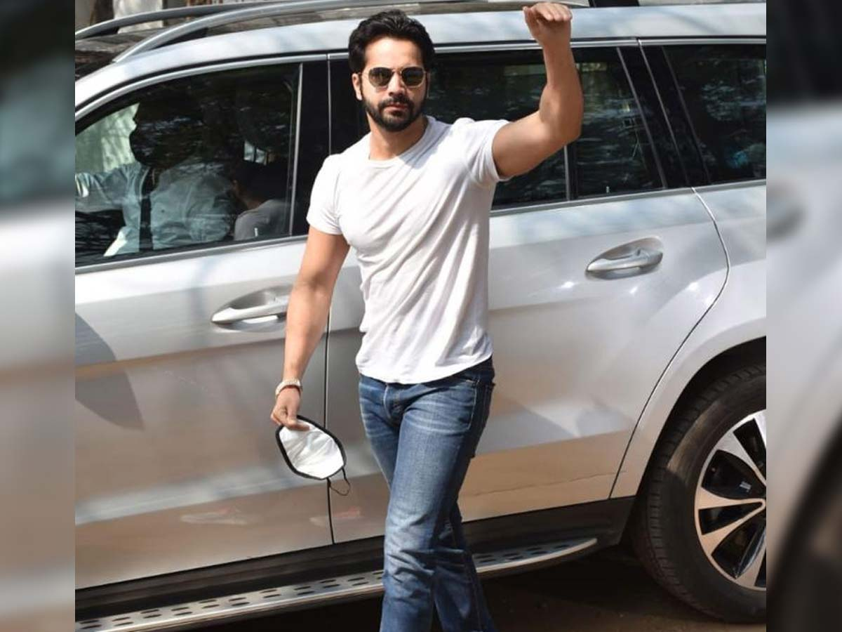 Varun Dhawan car meets with a minor accident