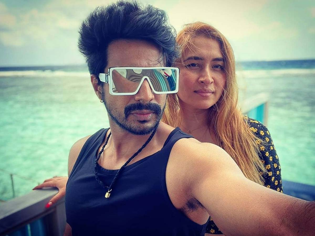 Love birds Vishnu Vishal and Jwala Gutta enjoying in Maldives