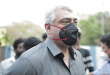 Ajith snatches phone from fan