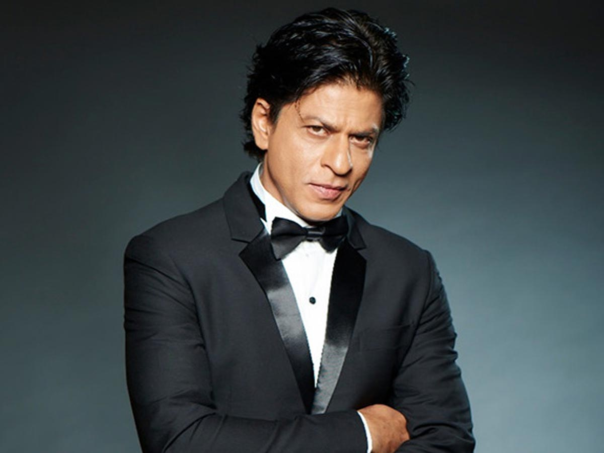 Shahrukh Khan befitting reply to a netizen who asks his underwear color -  tollywood
