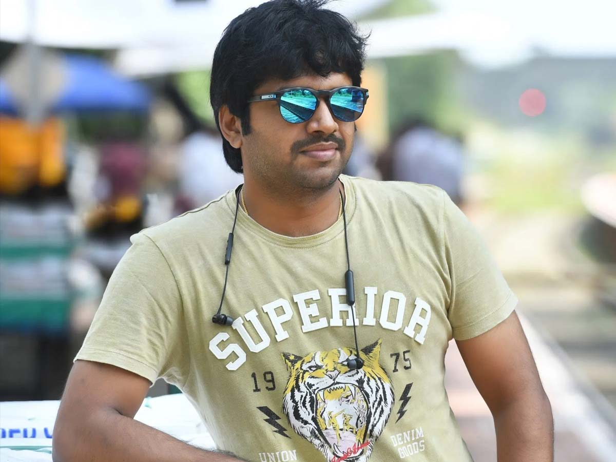 Anil Ravipudi has many options before him
