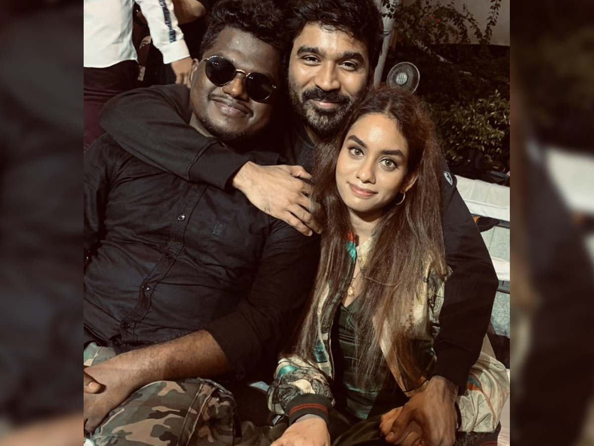 Dhanush with Enjaami: A billion and a half picture