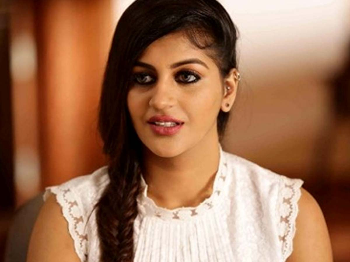 Yashika Anand : I miss u each second and I'm forever guilty to be alive